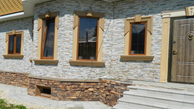 Фасад отделанный под камень