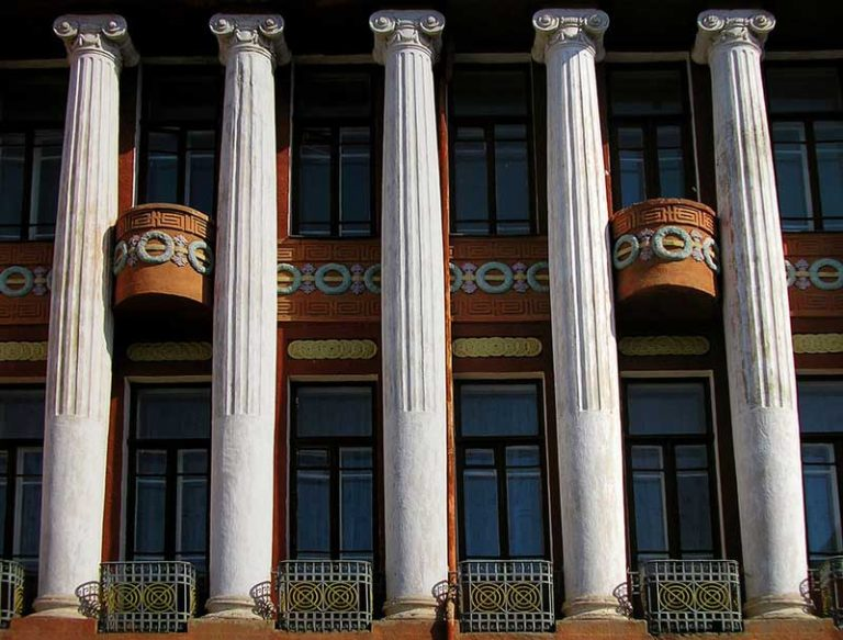Реконструкция колон фасада