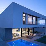 фасад дома в стиле хфйтек