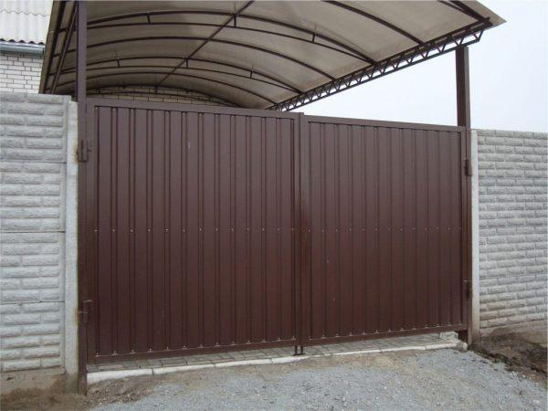 Ворота-и-навес-от-компании-REMEX-1024x768